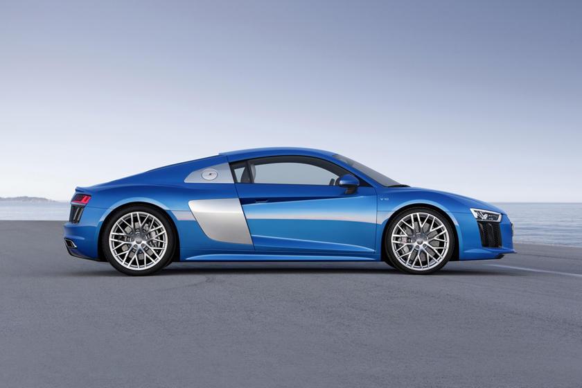 2017 Audi R8 V10 quattro Coupe Profile