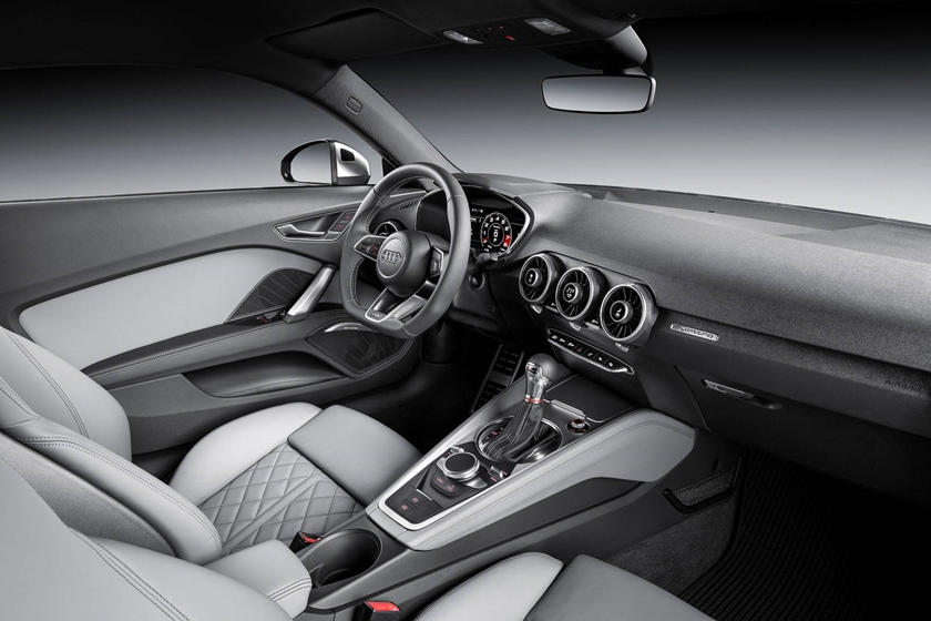 2016-2018 Audi  TTS Coupe Dashboard