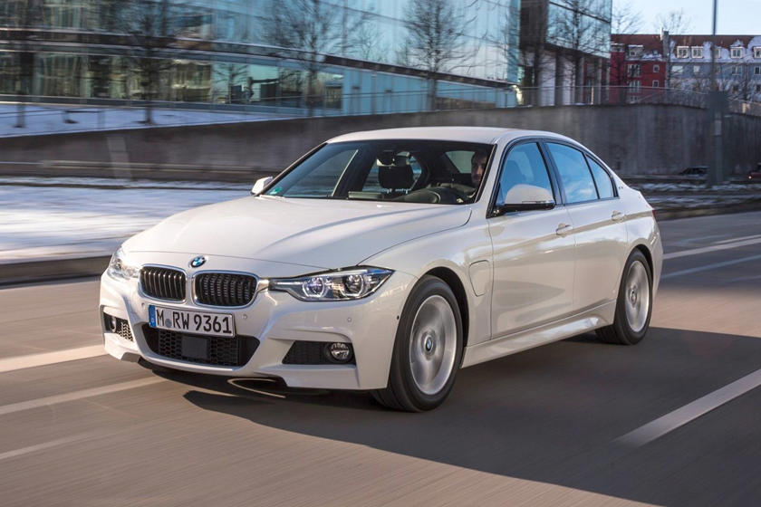 2016-2018 BMW 3 Series Plug-in Hybrid In Motion