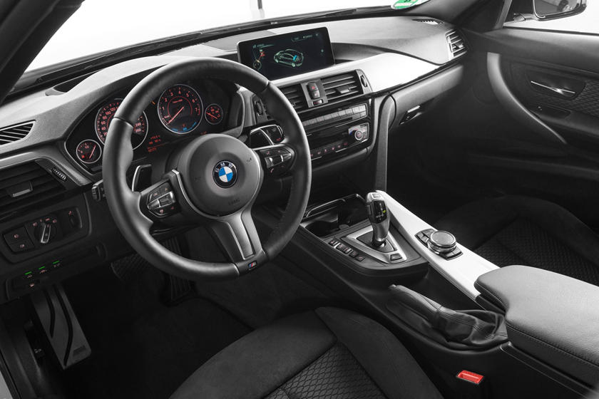 2016-2018 BMW 3 Series Plug-in Hybrid Driver Area