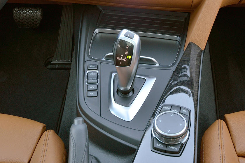 2017 BMW 3 Series 328d xDrive Wagon Shifter. European Model Shown.