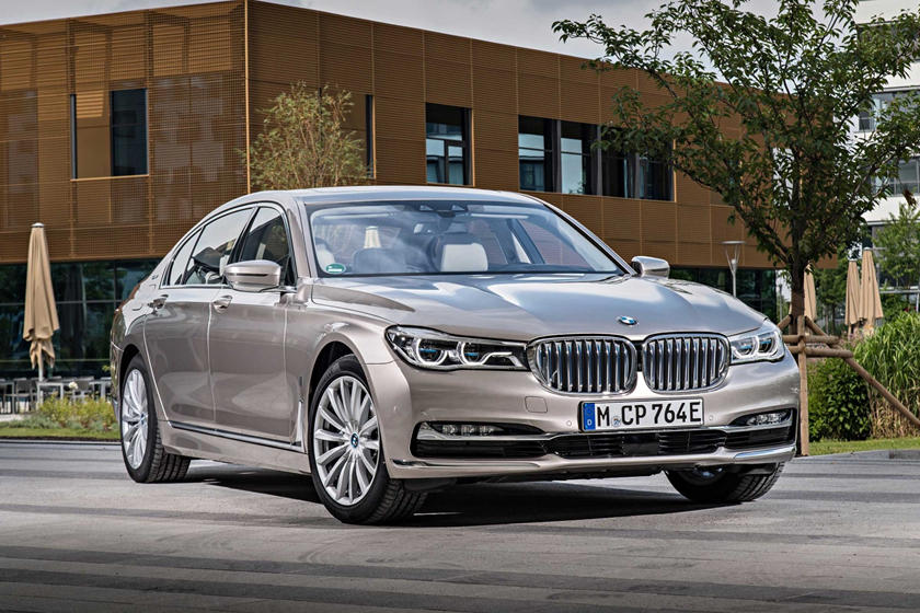 2018 Bmw 7 Series Plug In Hybrid Review Trims Specs And Price Carbuzz