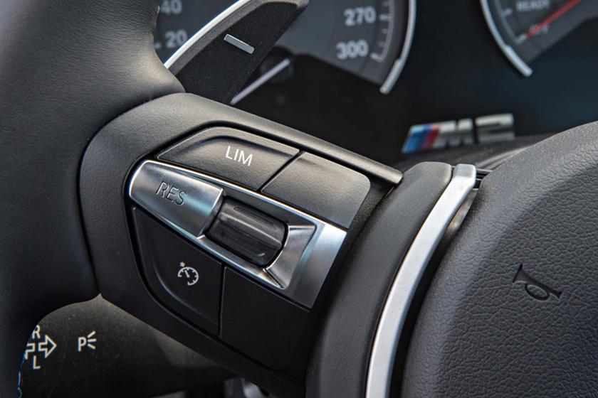2017 BMW M2 CoupeAux Controls