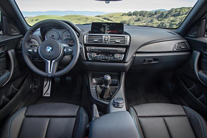 2017 BMW M2 CoupeDashboard