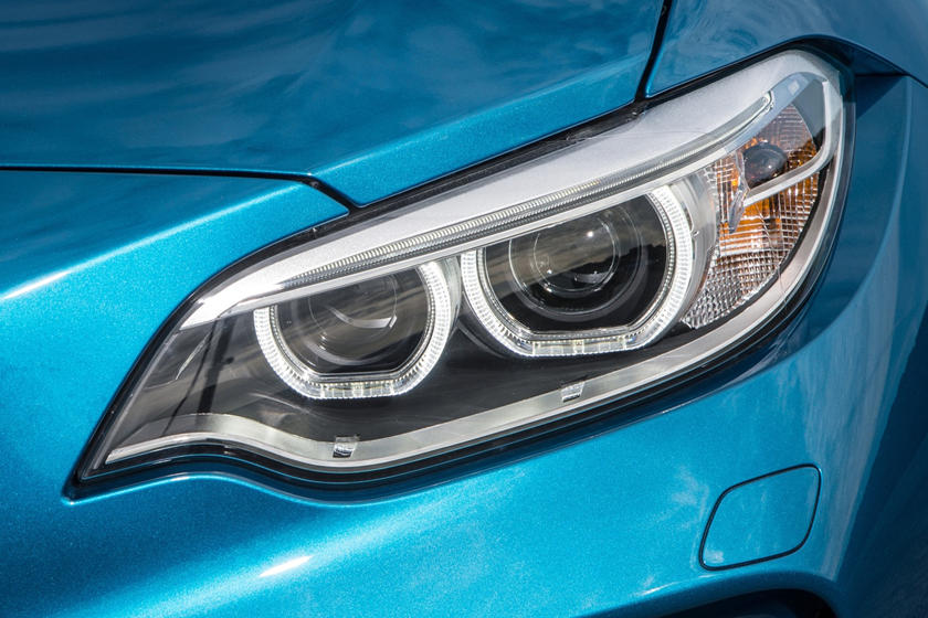 2017 BMW M2 CoupeHeadlamp Detail