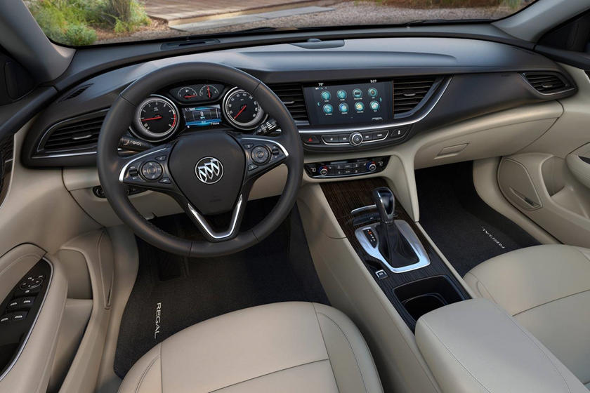 2018 Buick Regal Sportback Essence 4dr Hatchback Dashboard Shown