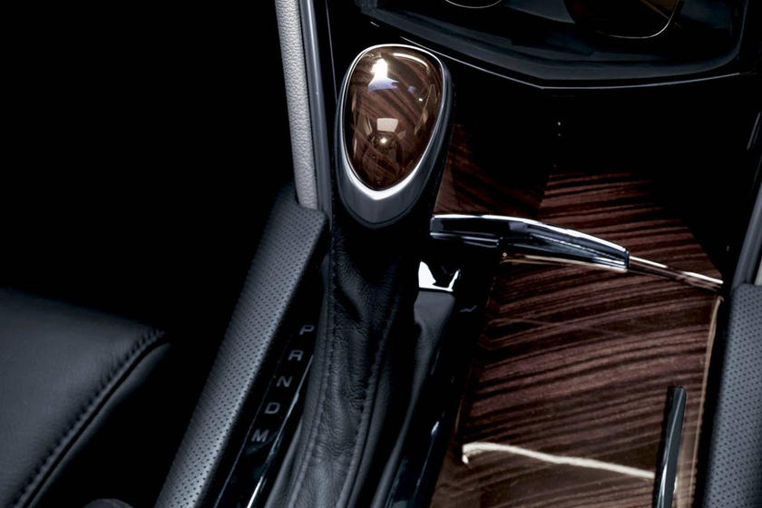 2017 Cadillac XTS Platinum Sedan Shifter