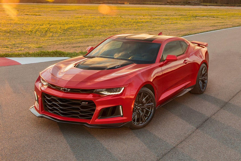 2018 Chevrolet Camaro Zl1 Coupe Reviewtrims Specs And Price Carbuzz
