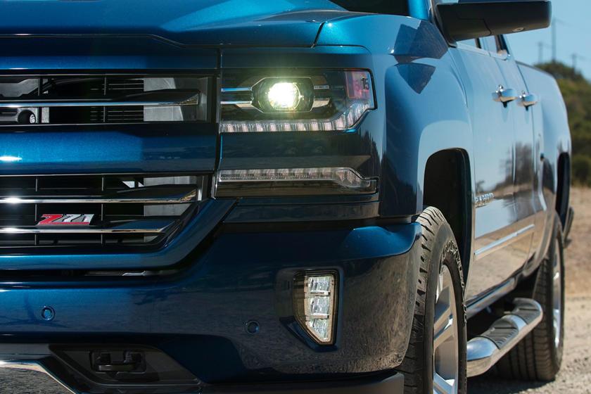 2017 Chevrolet Silverado 1500 Z71 LTZ Extended Cab Pickup Exterior Detail