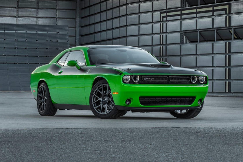 2017-2018 Dodge Challenger T/A Front Three-Quarter Right Side View