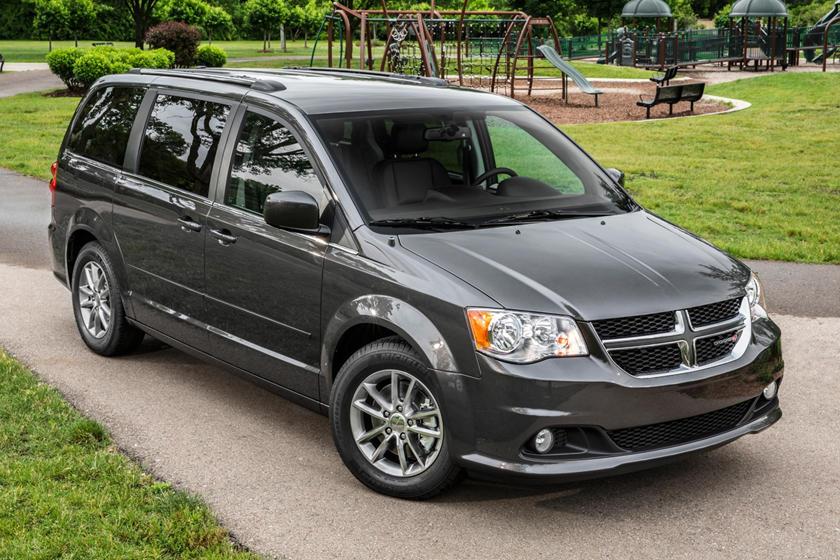 2018 Dodge Grand Caravan Review Trims Specs And Price Carbuzz