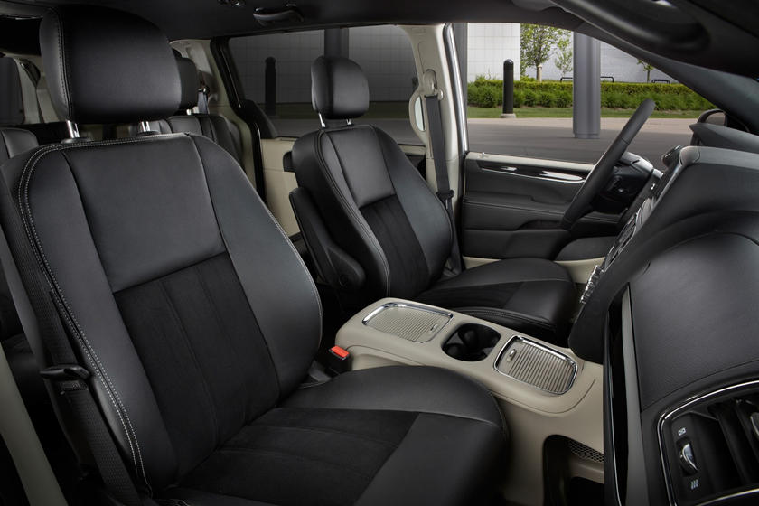 2017 Dodge Grand Caravan SXT Passenger Minivan Interior Shown