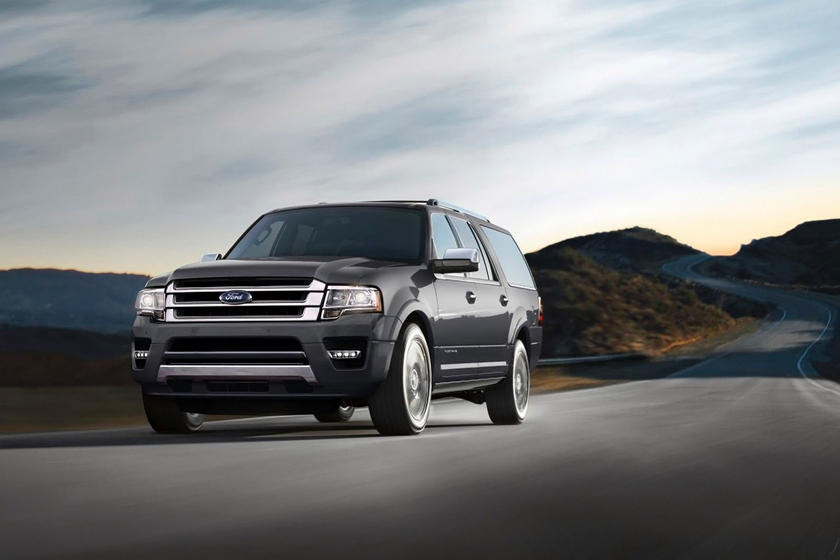 2015-2018 Ford  Expedition Front Side in Motion