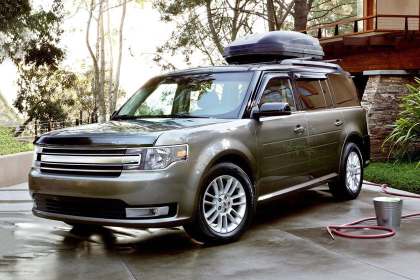 2017 Ford Flex SEL Wagon Lifestyle Exterior. Options Shown.