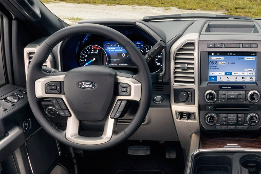 2017 Ford F-450 Super Duty Platinum Crew Cab Pickup Steering Wheel Detail