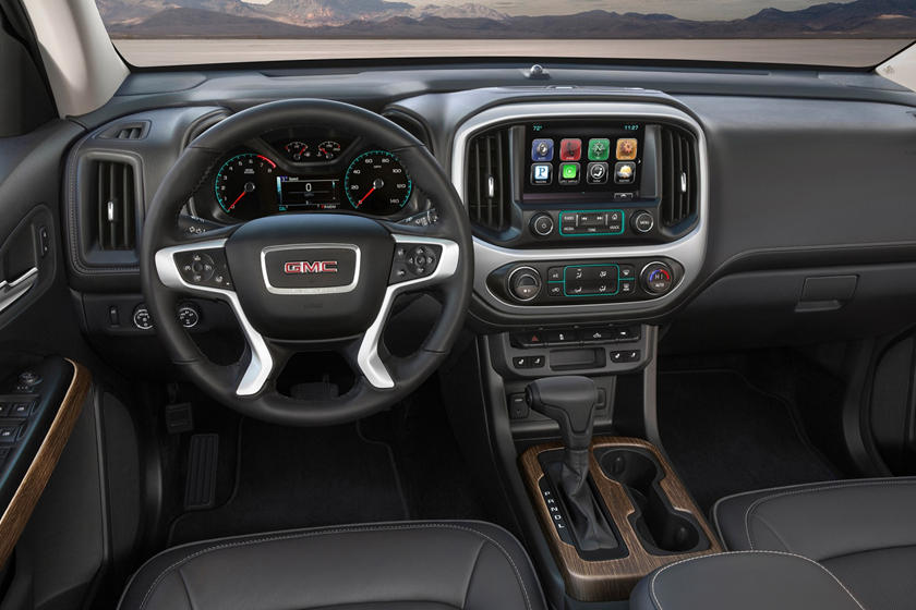 2018 GMC Canyon Denali Crew Cab Pickup Dashboard