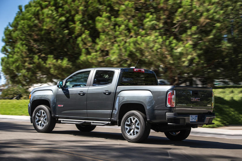 2015-2019 GMC  Canyon Crew Cab In Motion