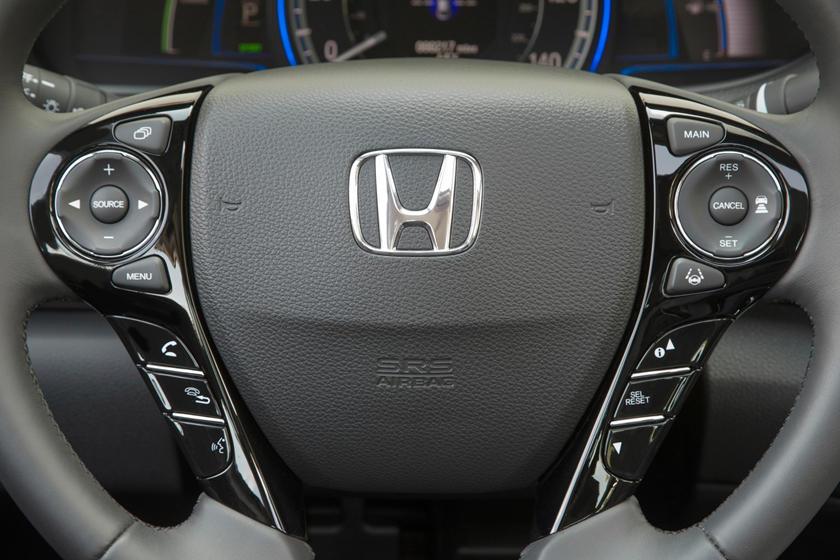 2017 Honda Accord Hybrid Touring Touring SedanAux Controls