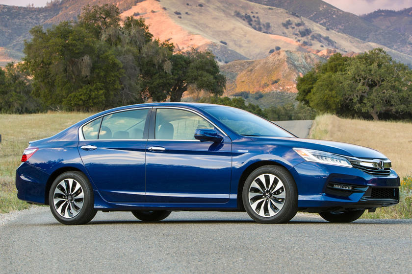 2017 Honda Accord Hybrid Touring Touring SedanExterior Shown