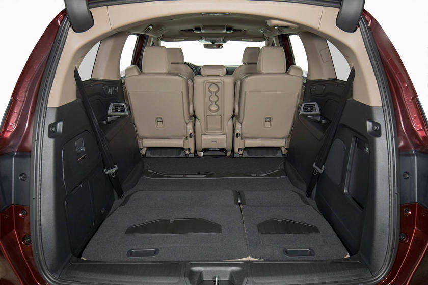 2018 Honda Odyssey Elite Passenger Minivan Rear Seats Down