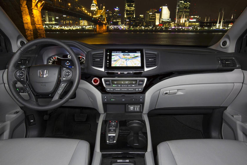 2017 Honda Pilot Elite w/Navigation and Rear Entertainment System 4dr SUV Dashboard