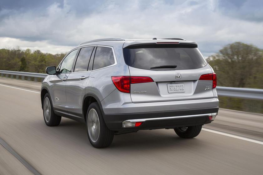 2017 Honda Pilot Elite w/Navigation and Rear Entertainment System 4dr SUV Exterior
