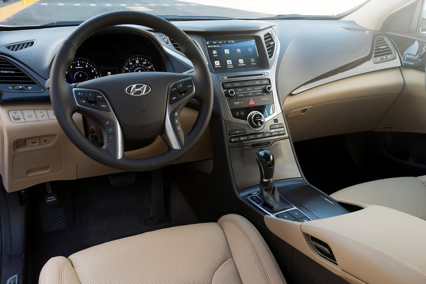 2017 Hyundai Azera Limited Sedan Dashboard
