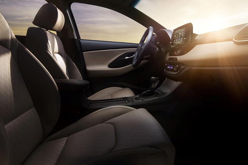 2018 Hyundai Elantra GT Sport 4dr Hatchback Lifestyle Interior