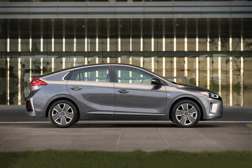 2017 Hyundai Ioniq Hybrid Limited 4dr Hatchback Exterior Shown
