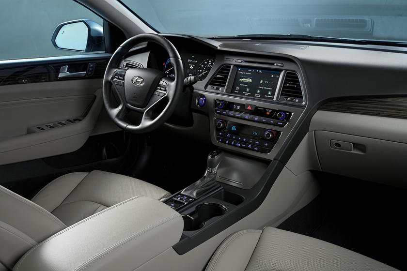 2017 Hyundai Sonata Plug-in Hybrid Limited Sedan Interior