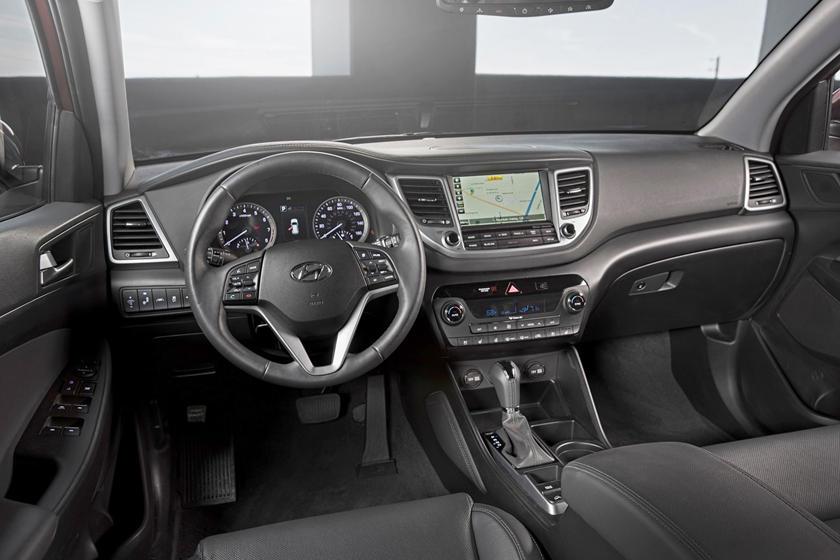 2017 Hyundai Tucson Limited 4dr SUV Dashboard