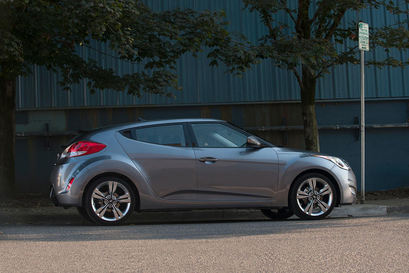 2017 Hyundai Veloster Value Edition w/Black Interior 2dr Hatchback Exterior Shown
