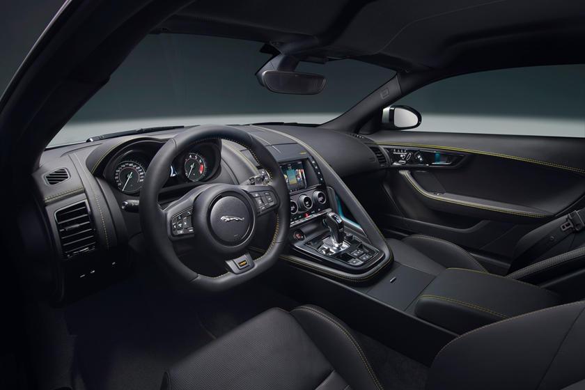 2018 Jaguar F-TYPE 400 Sport Coupe Dashboard