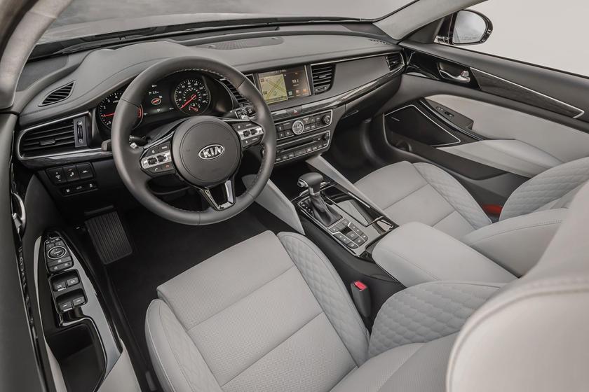 2017 Kia Cadenza Limited Sedan Dashboard Shown