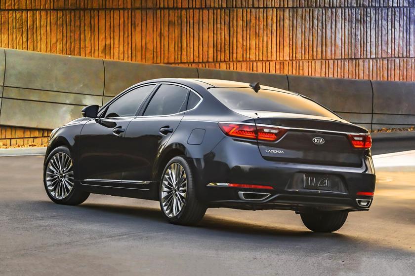 2017 Kia Cadenza Limited Sedan Exterior Shown
