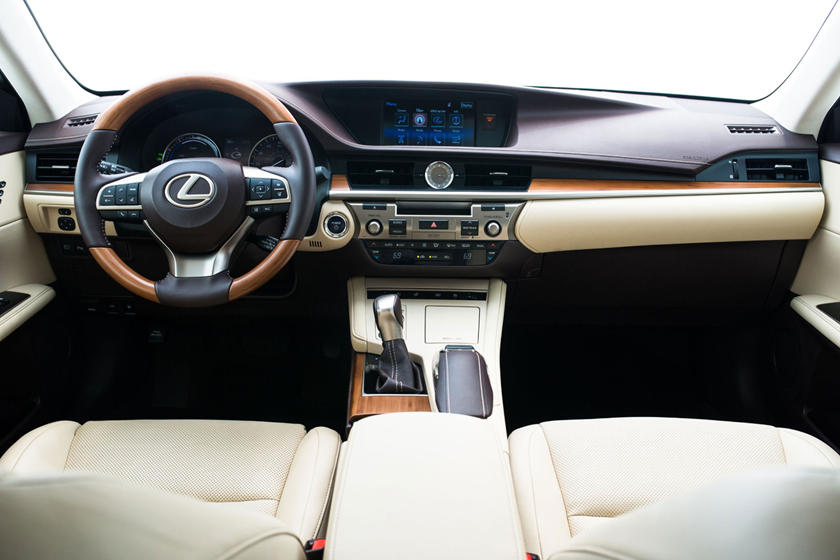 2016 Lexus ES 300h Sedan Dashboard