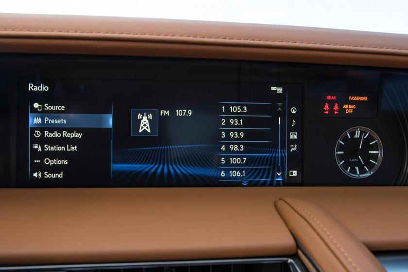 2018 Lexus LC 500 Coupe Center Console