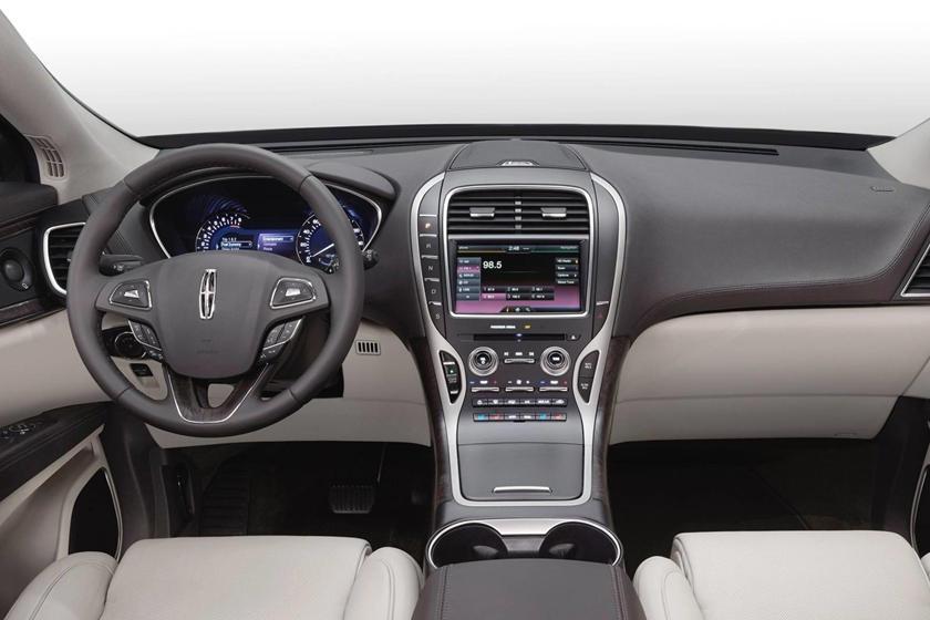 2017 Lincoln MKX Reserve 4dr SUV Dashboard