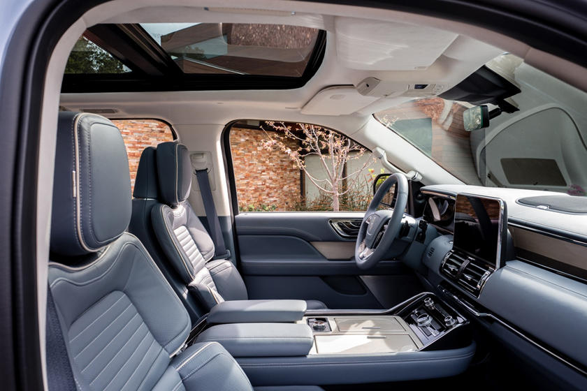 2018 Lincoln Navigator Black Label 4dr SUV Interior Shown