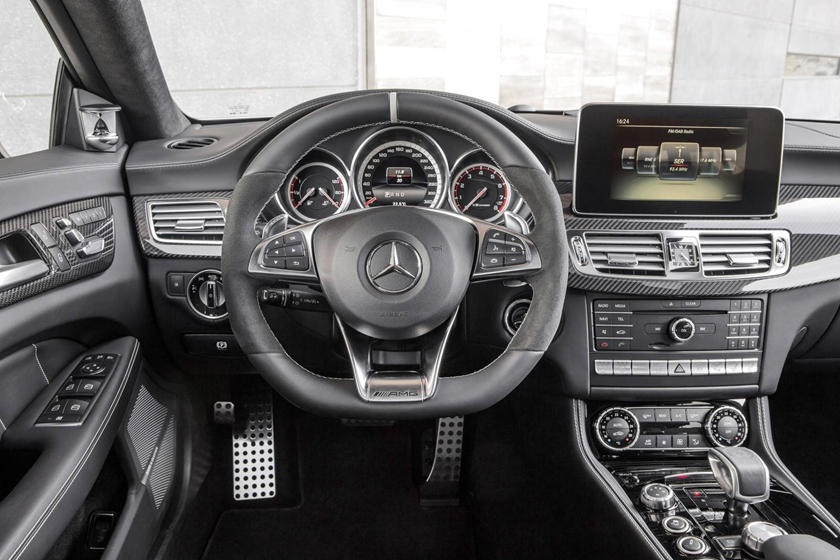 2017 Mercedes-Benz CLS-Class AMG CLS 63 S 4MATIC Sedan Dashboard