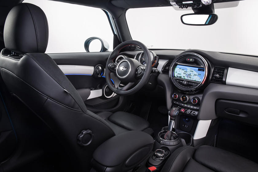 2018 MINI Hardtop 4 Door Cooper S 4dr Hatchback Interior