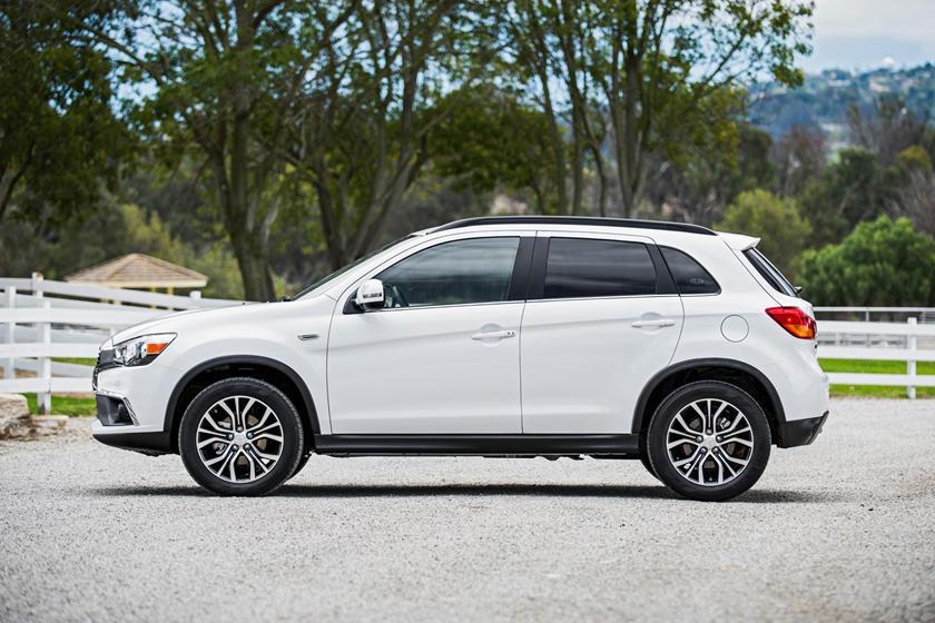 2017 Mitsubishi Outlander Sport 2.4 SEL 4dr SUV Profile