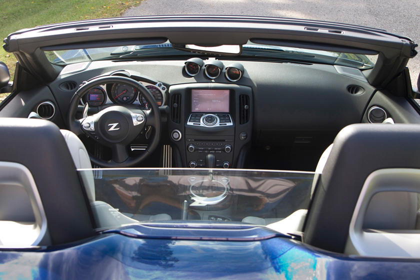 2017 Nissan 370Z Touring Sport Convertible Dashboard