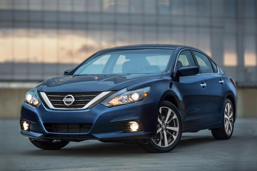 2017 Nissan Altima 2.5 SR Sedan Exterior