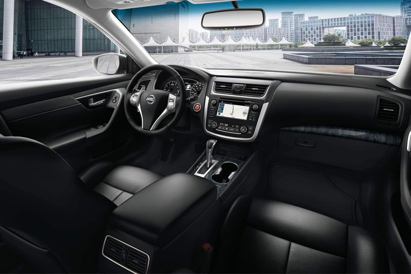 2017 Nissan Altima 3.5 SL Sedan Dashboard
