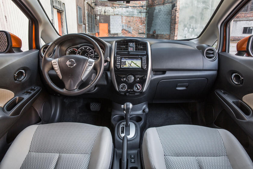 2017 Nissan Versa Note 1.6 SL 4dr Hatchback Dashboard
