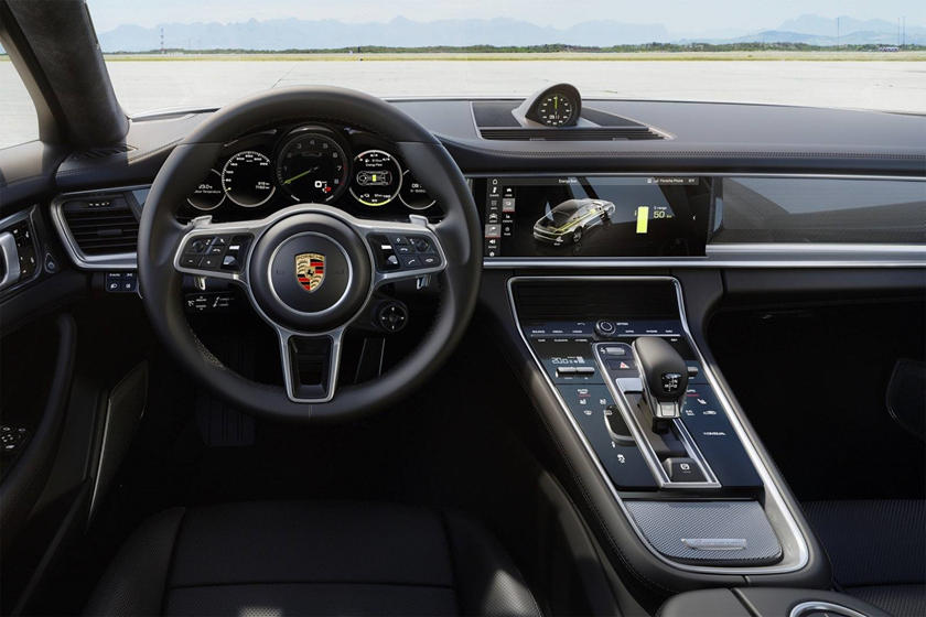 2018 Porsche Panamera Turbo S E-Hybrid Sedan Dashboard