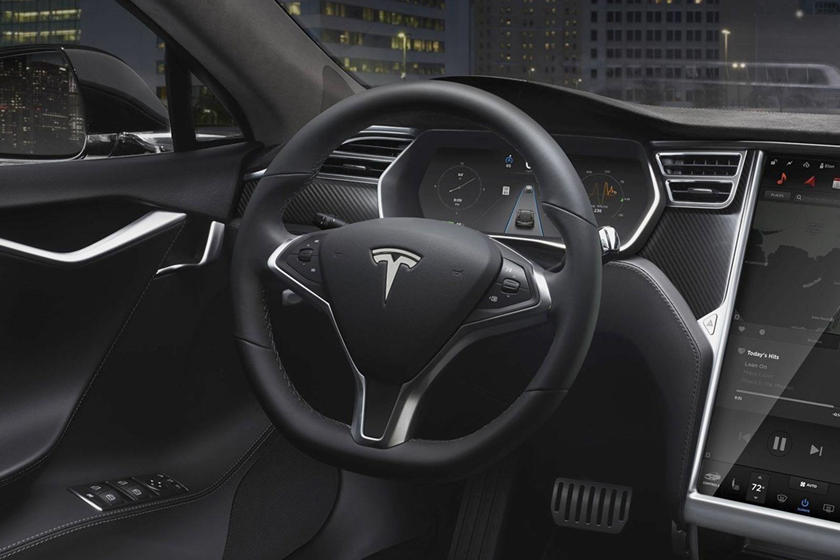 2017 Tesla Model S 90D Sedan Steering Wheel Detail