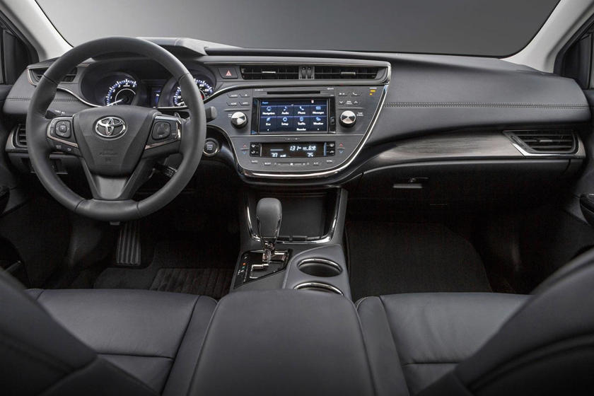 2018 Toyota Avalon Touring Sedan Dashboard Shown
