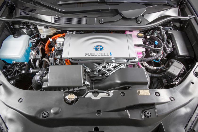 2017 Toyota Mirai SedanElectric Engine